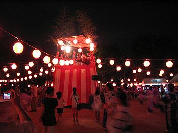 ゆく夏を惜しんで、牧落まつり盆踊り大会開催!盆踊りマスターも登場!
