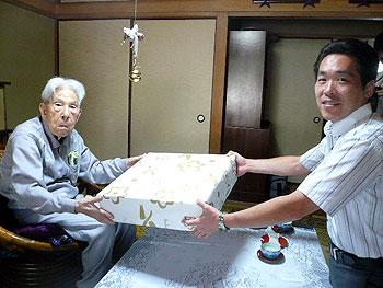 箕面市内最高齢のおじいちゃんは筑紫満門さん、105歳!