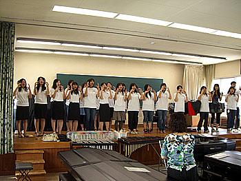 未来の幼稚園の先生、保育士さんが歌います♪