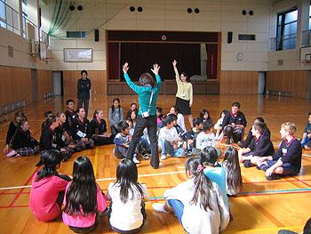 ニュージーランド・ハット市中学生が市内小学生と国際交流!