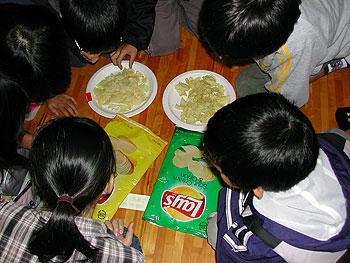 萱野小学校で食育ワーク