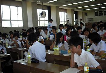 箕面高校で「中学生のための理数教室」開催!