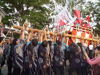 ヨーイヤサ!牧落八幡大神宮の秋祭り神輿巡行!