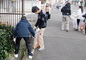 箕面市立北小学校、商業者、市民、行政、大阪府が協働したアドプト清掃活動を開催!!