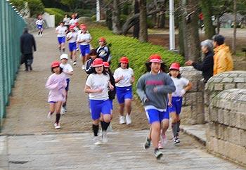 駆け抜けろ!西小学校のマラソン大会