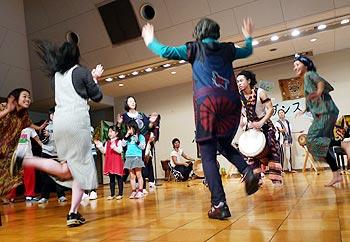 アフリカの太鼓とダンス