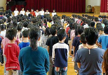 箕面小学校の平和祈念式
