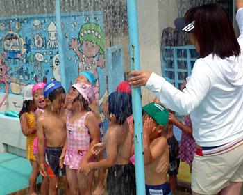 幼稚園でプール開き!