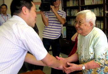 祝!長寿!!市長が最高齢者を訪問