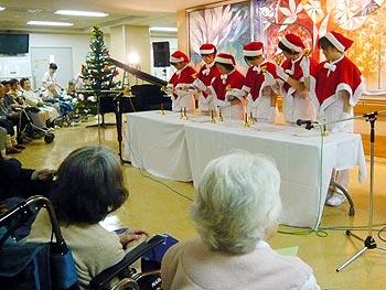 医療スタッフがプレーヤー!クリスマスコンサート
