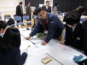 彩都の丘学園でインド式数学の授業