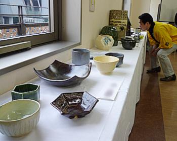陶芸グループの会員作陶展
