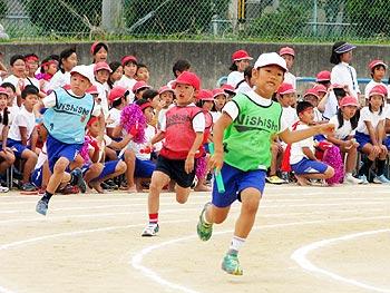 突っ走れ、力の限り!…小学校の運動会