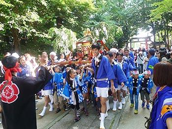 青空の秋祭り…阿比太神社秋季例大祭