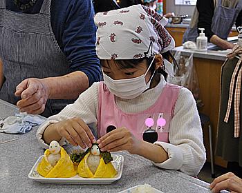 ひな寿司でおひな祭りを祝おう