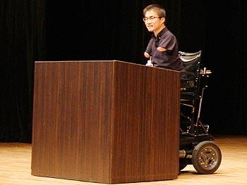 乙武洋匡さん講演会「子どもたちのためにできること」