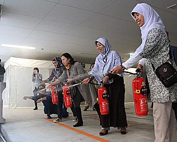 外国人市民のかたが災害時の訓練を行いました