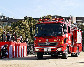 日本一早い1月3日開催。箕面市消防出初式
