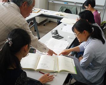 外国人市民の学習支援ボランティア「T.E.Sにほんご」のみなさんが、大阪府知事表彰を受賞
