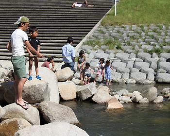 余野川の渓流でマス釣り満喫!