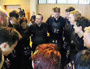 剣道NZ代表チームが箕面剣道協会と交流
