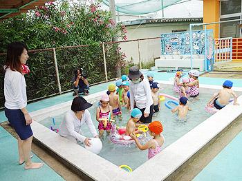幼稚園でプール開き