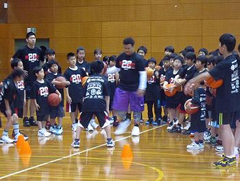 箕面出身のプロ選手による「バスケットボールクリニック」