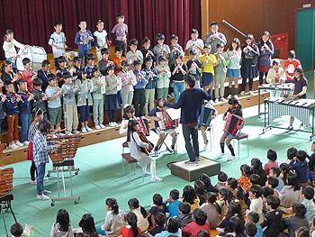 歌声は、体育館いっぱいに…小学校の「校内音楽会」