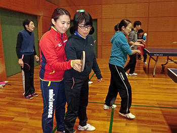 オリンピックメダリストに学ぶ「箕面卓球フェスティバル」