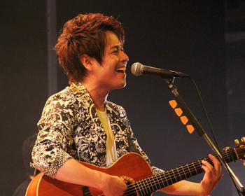 箕面出身の歌手