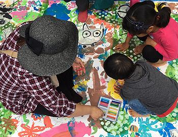 箕面の森アートウォーク2017で巨大絵画のワークショップ