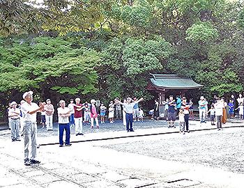 桜ケ丘ラジオ体操会、元気にラジオ体操!