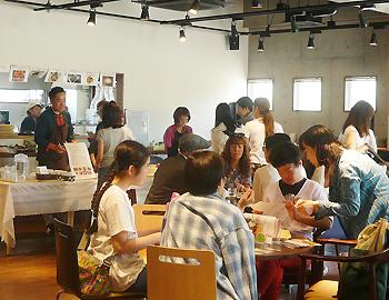 コムカフェ6周年記念屋台イベント