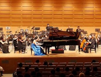 日米の演奏者が「音楽の絆」コンサートを開催しました