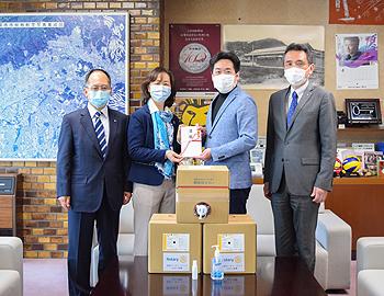 新型コロナウイルスの感染拡大を受け、箕面市に多くの衛生用品が寄贈されています
