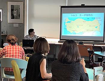 エーゲ海地方の言語文化を紹介。連続講座「エーゲ海の生の声」