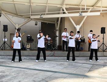 箕面学園高等学校のダンス同好会と音楽部が合同ライブを開催!