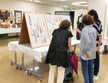 今年も「高齢者作品展」で、活力あふれる作品が並んでいます!